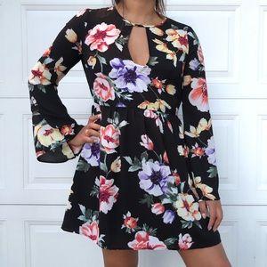 🌺🌼🌸 Cute Floral Print Mini Dress 🌸🌼🌺
